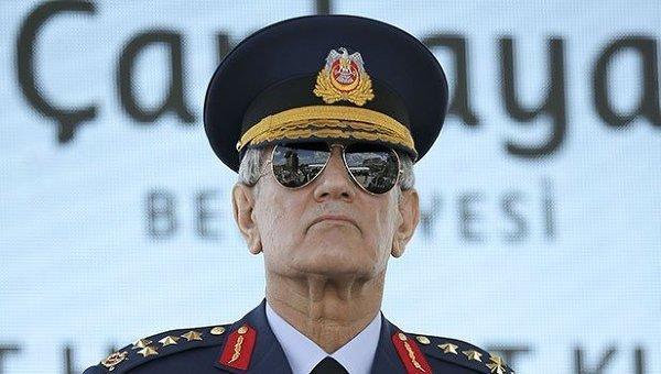 Бывший главком ВВС Турции генерал Акын Озтюрк