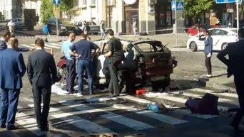 Кадры с места взрыва машины Павла Шеремета