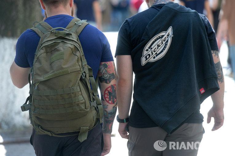 Антитарифный протест Азова в Киеве: марш татуировок