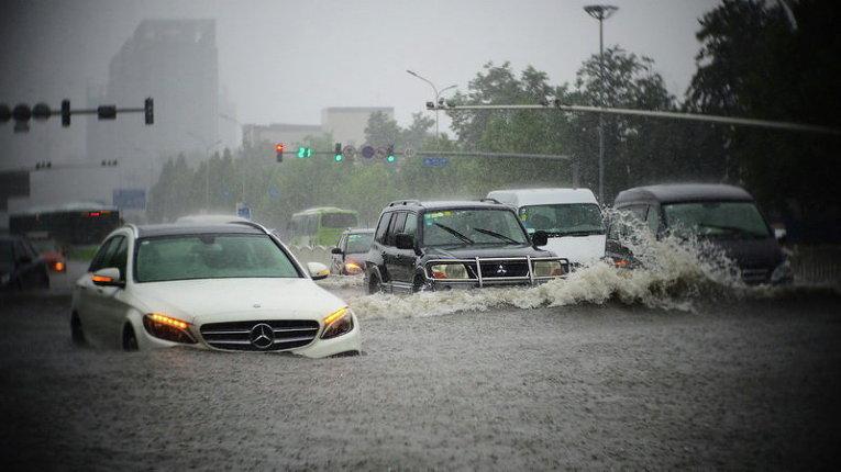 Наводнение после сильных дождей в Пекине, Китай
