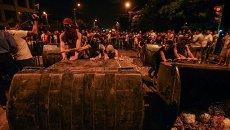 Столкновения митингующих с полицией в Ереване