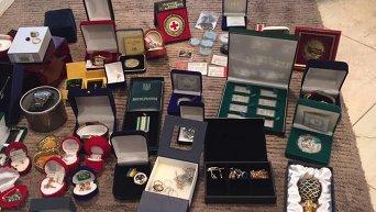 Генпрокуратура опубликовала фото изъятых драгоценностей в особняке мэра Бучи Анатолия Федорука