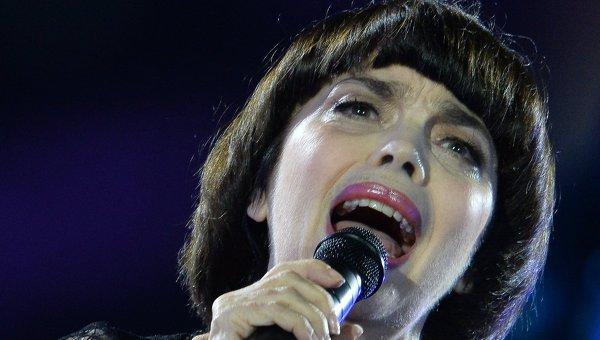 Французская певица Мирей Матье