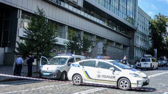 Полиция после получения сообщения о минировании банка в Киеве