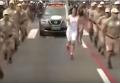 В Бразилии мужчина пытался похитить олимпийский огонь. Видео