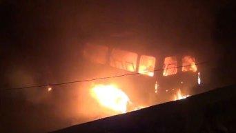 Вооруженная группа в Ереване сожгла полицейскую Газель
