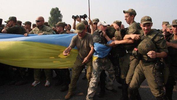 Крестный ход на блокпосте ОУН под Киевом