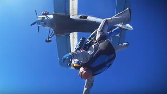 Настя Каменских показала свой неудачный прыжок с парашютом. Видео