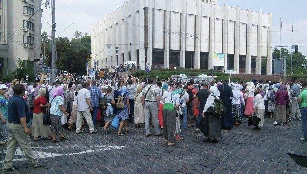 Аваков рассказал об особенном режиме охраны крестного хода