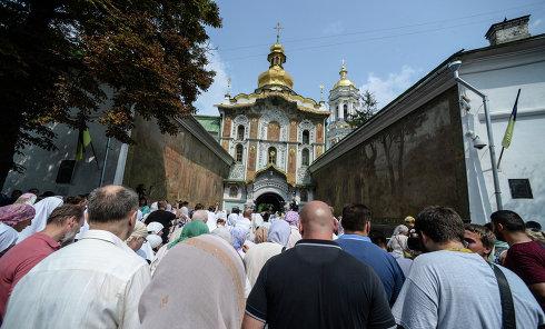 Крестный ход в Киево-Печерской лавре