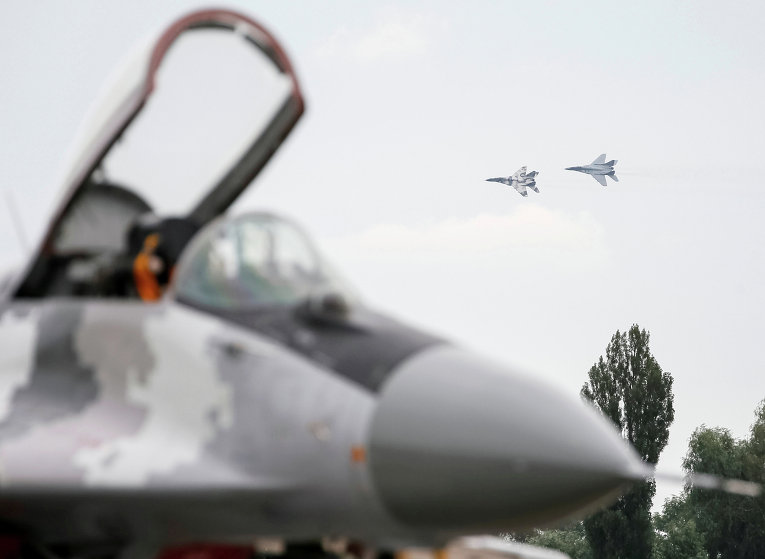 Тренировочные полеты украинских военных самолетов над Васильковом