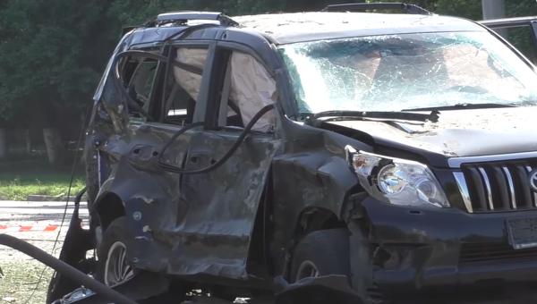 На месте взрыва автомобиля Плотницкого