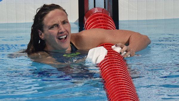 Венгерская пловчиха Хоссу одолела, установив мировой рекорд