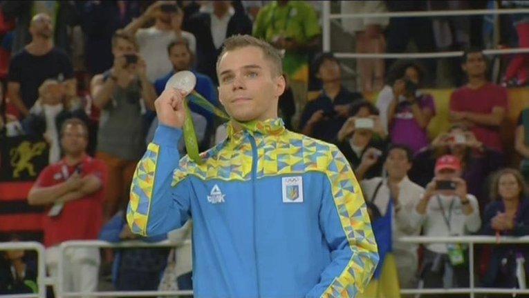 Украинский гимнаст Олег Верняев