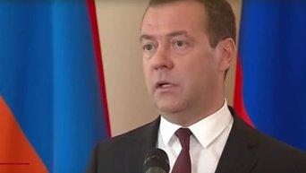 Медведев о возможности разрыва дипотношений с Киевом
