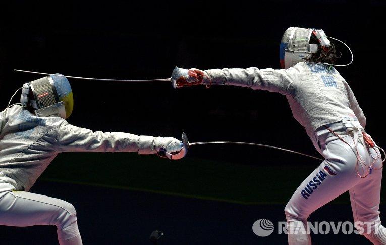 Елена Кравацкая и Яна Егорян в финальном поединке командного первенства