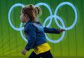 Юная болельщица в Олимпийском парке в Рио-де-Жанейро