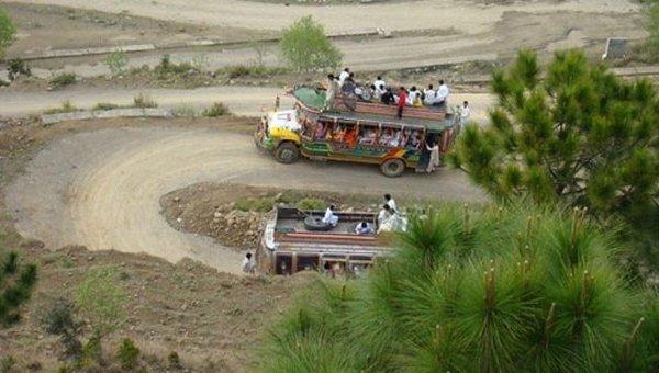 22 человека погибли всвадебном автобусе— катастрофа вПакистане