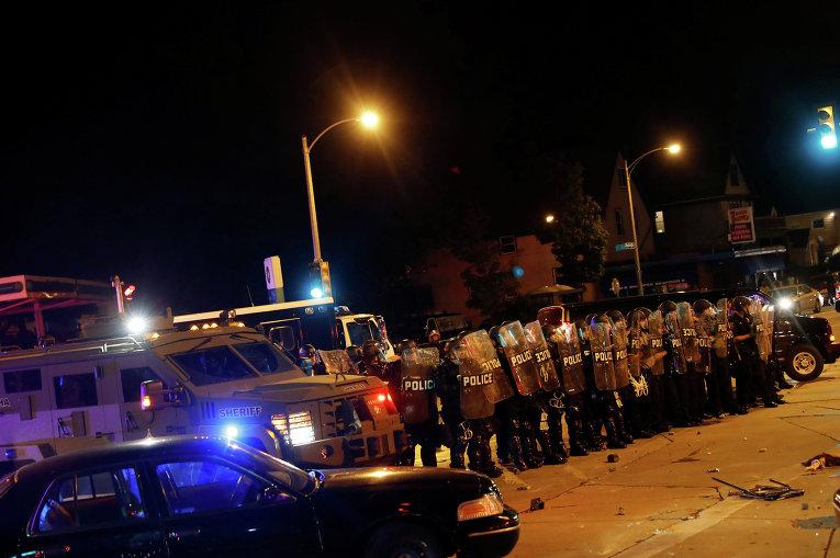 ВСША уличные протесты из-за убийства полицией афроамериканца