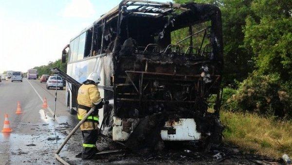 Севастополь: ВКрыму натрассе сгорел пассажирский автобус Сочи