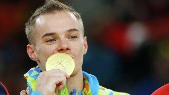 Украинский гимнаст Олег Верняев завоевал золото на Олимпиаде в Рио-де-Жанейро