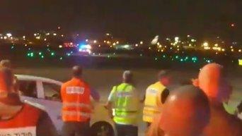 Экстренная посадка самолета с пробитым шасси в Тель-Авиве