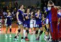 Игроки сборной России радуются победе в финальном матче женского гандбольного турнира между сборными командами России и Франции.