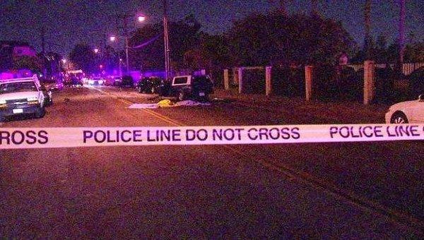 Полиция США на месте стрельбы в Коннектикуте