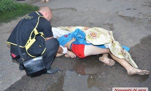 Труп Александра Цукермана, погибшего при задержании полицией в пгт Кривое Озеро