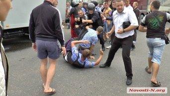 Луди напали на задержанных в Кривом Озере полицейских