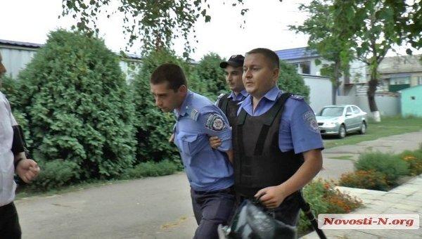 Один из полицейских, принимавших участие в смертельном задержании