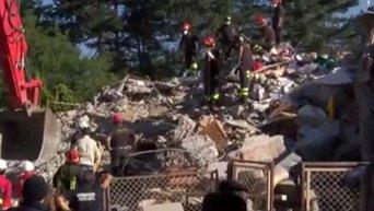 Спасательные работы в Италии после землетрясения