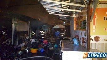 В Киеве произошел пожар на Демеевском рынке