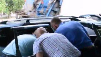 На месте ограбления автомобиля у банка ВТБ в Николаеве