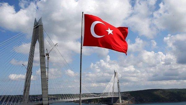Мост султана Явуза Селима через Босфор в Стамбуле