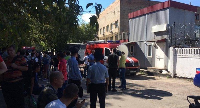 Съезд сАлтуфьевского шоссе частично перекрыт в столицеРФ из-за пожара