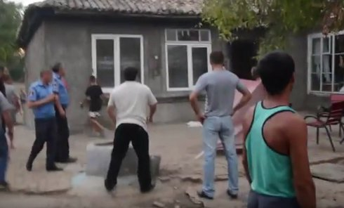 Погромы цыганских домов под Измаилом. Видео