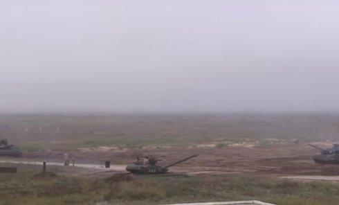 ВСУ провели танковый биатлон. Видео