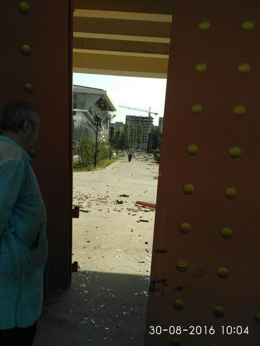 На месте взрыва у посольства Китая в Бишкеке