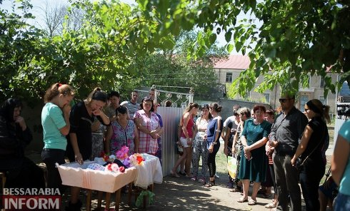 Похороны убитой девочки под Измаилом в Одесской области