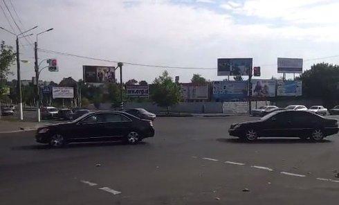 Кортеж Порошенко в Мариуполе. Видео