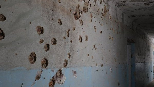 Школа в Красногоровке после обстрелов