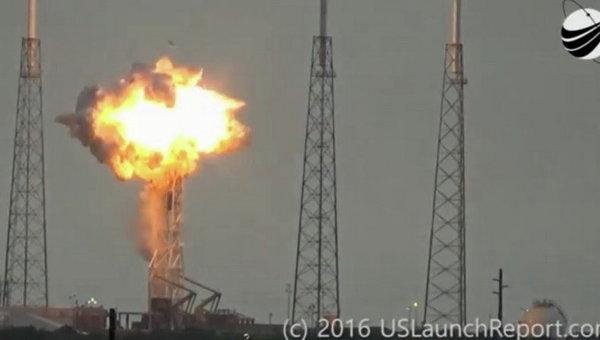 SpaceX благополучно вывела наорбиту 10 спутников связи