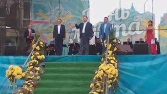 Порошенко и Гройсман выступили на праздничных мероприятиях по случаю Дня города в Виннице