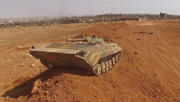 Боевая машина пехоты на юго-востке сирийского города Алеппо
