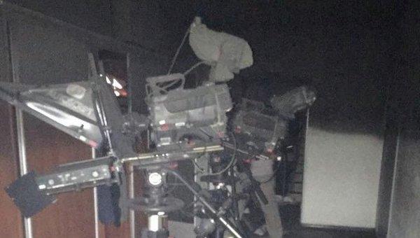 Вредакцию украинского телеканала «Интер» вКиеве бросили дымовую шашку