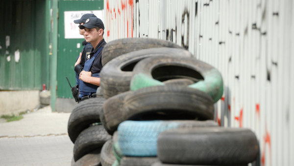 Протестующие около канала «Интер» сняли блокаду