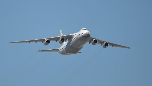 Тяжелый дальний транспортный самолет АН-124-100 Руслан