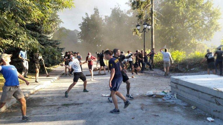 Столкновения на стройке в Святошинском переулке