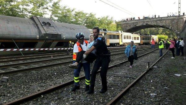 Два человека погибли при крушении поезда насевере Испании